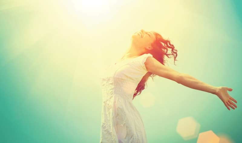 Happy-Freedom-Girl-Enjoying-Sun (Medium)